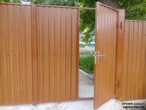 Установка калитки из профнастила в Киеве