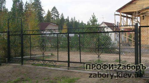 Заказать ворота из сетки рабицы Киев